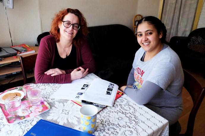 Eiman leert Nederlands van taalcoach Sandra
